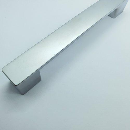 Ручка мебельная — «КВАДРО»